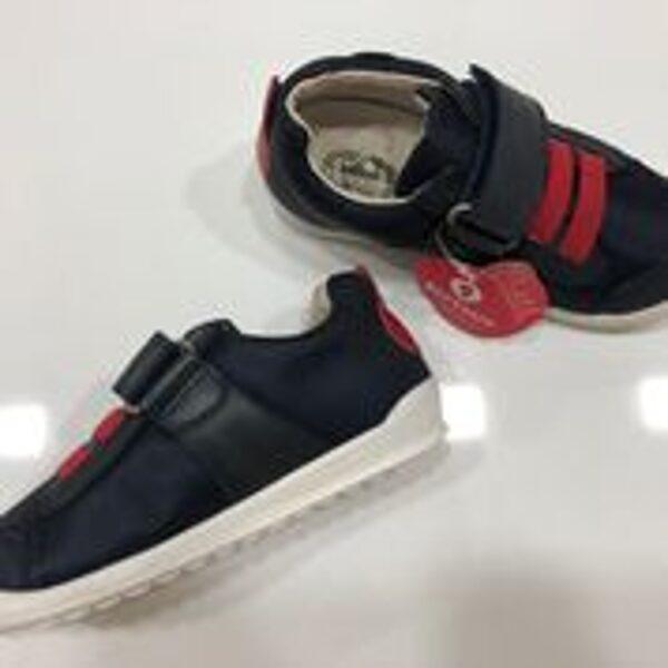 Brīvā laika apavi Garvalin/izmērs 28/Tumši zilas ar sarkanu.
