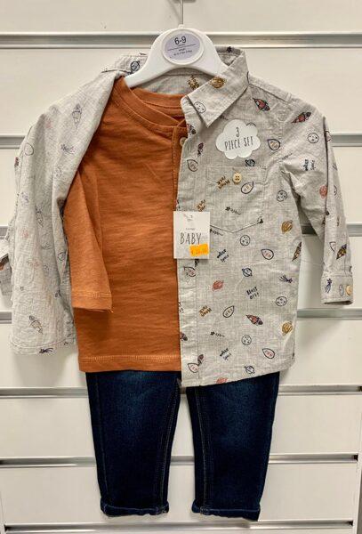 3daļīgs komplekts 6-9 mēn./Pelēks krekls ar kosmosa tematiku, garroku krekliņš oranžīgs, tumši zilas džinsa bikses.
