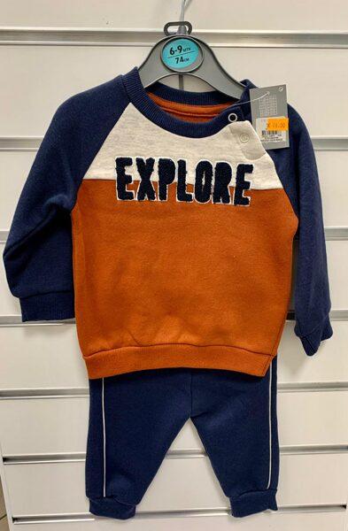 Džemperis ar biksēm/6-9 mēn./74cm/Oranžš džemperis ar zilām rokām, uzraksts-Explore, tumši zilas bikses.