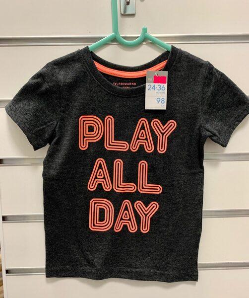Īsroku krekls 2-3 gadi/98cm/Melns ar uzrakstu-Play all day