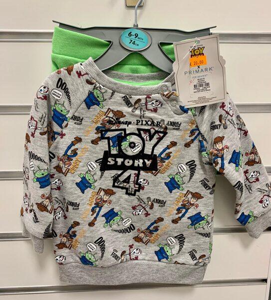 Toy story 4 komplekts zēniem/6-9 mēn./74 cm/Zaļas bikses+Pelēks džemperis ar Toy story 4 varoņiem.