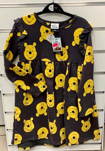 Garroku kleita 6-7 gadi/Melna Winnie the Pooh/George