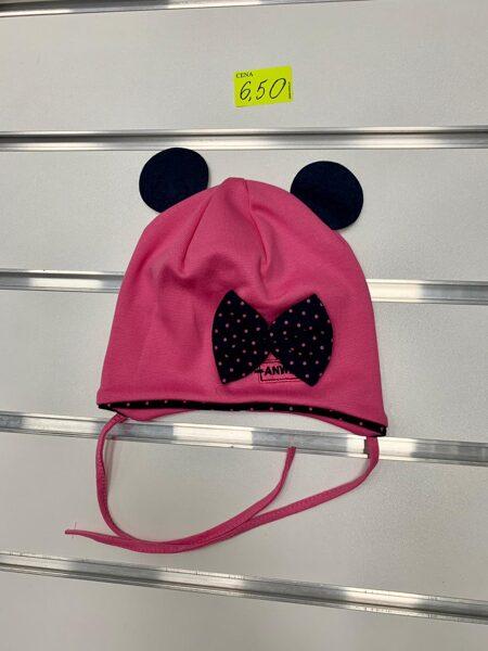 Pavasara cepure meitenēm/Tumši rozā ar melnām austiņām un punkatinu melnu lenti/Izmērs paredzēts 1-3 gadi/Jāmēra.