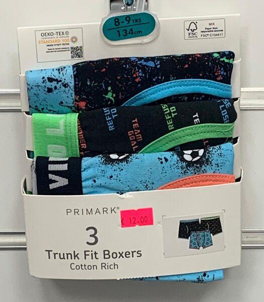 Apakšbikses zēniem 3gb/Boxer/8-9 gadi/134cm/melnas ar plankumiem, melnas ar uzrakstiem, zilas ar futbolbumbām.