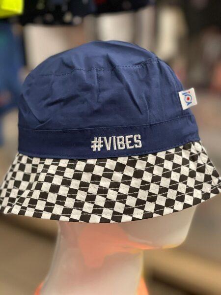 Vasaras cepure zēniem/izmērs 50;52/aizmugurē savelkama aukla/zila ar rūtainu malu/Vibes