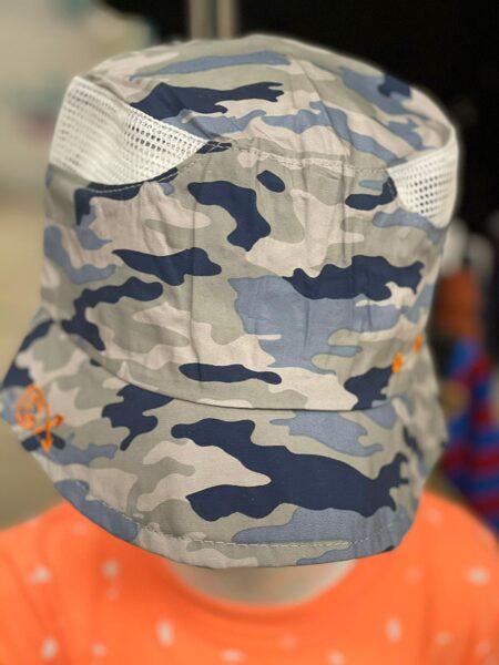 Vasaras cepure ar malām/izmērs 52;54;56/aizmugurē gumija/Zilganās krāsās.