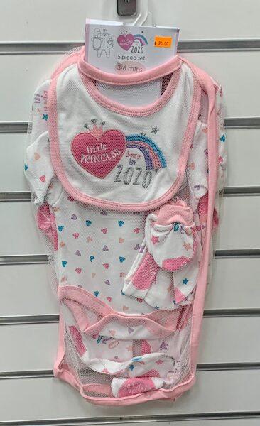 Komplekts Born in 2020/3-6 mēn./Slipojs+Body+Priekšautiņš+Cepurīte+Cimdiņi/Balts ar rozā maliņām un sirsniņām/Little Princess