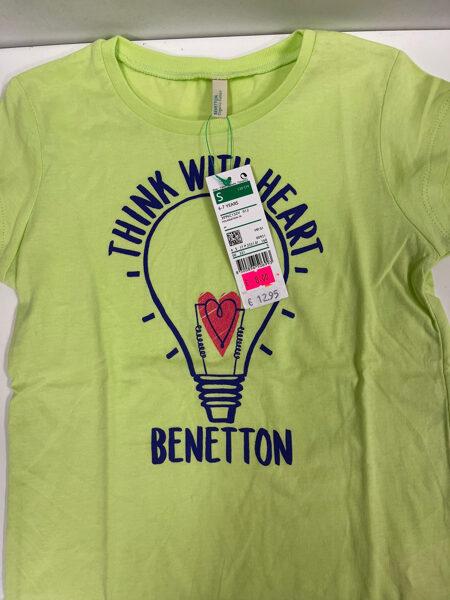 Īsroku krekls 6-7 gadi/120cm/Gaiši zaļš ar uzrakstu Think with heart Benetton