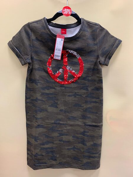 s.Oliver kleita/īsās piedurknes/10-11 gadi/Armijas krāsās/ ar simbolu vidū.
